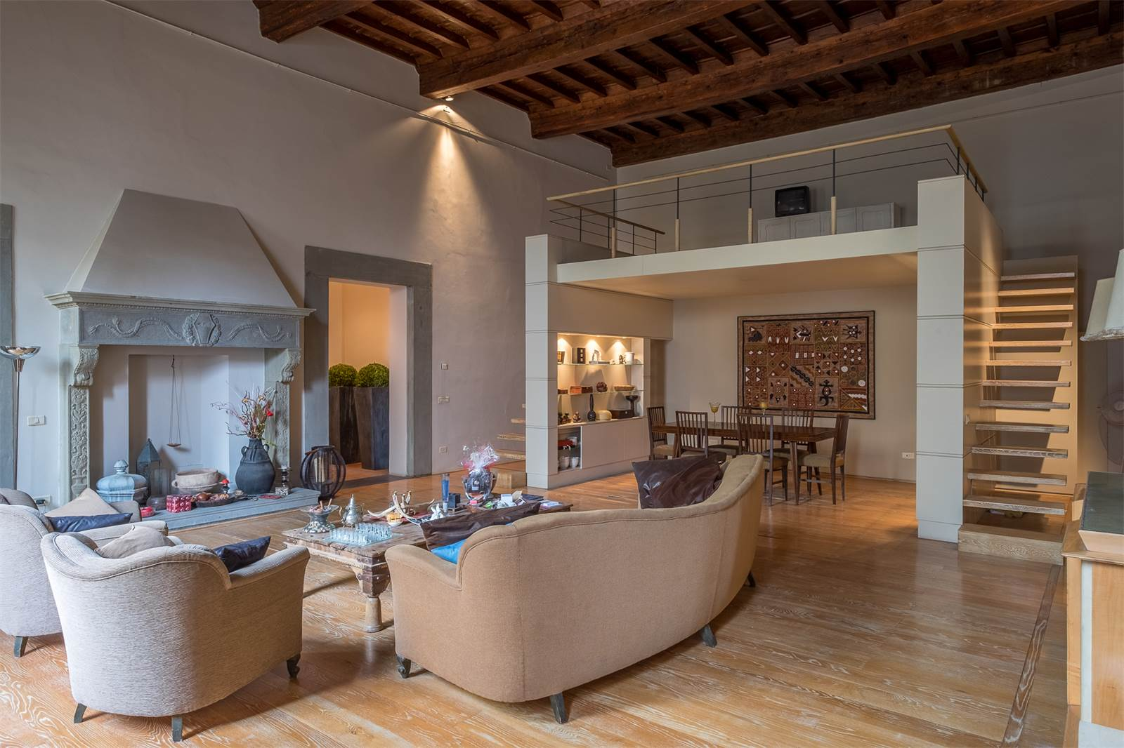 Lovely contemporary apartment in historic palazzo